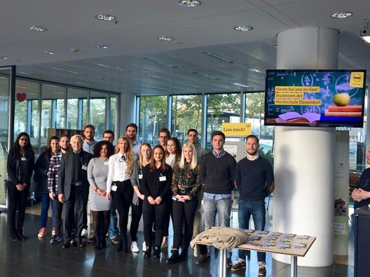 "Visiting the ARAG Tower: Hans Kraft with his course ""Negotiation and Presentation Technique"""