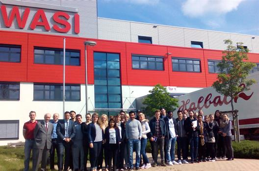 "Participants of the module ""Institutional aspects of trade"" visit the Wagener & Simon WASI GmbH & Co. KG in Wuppertal"