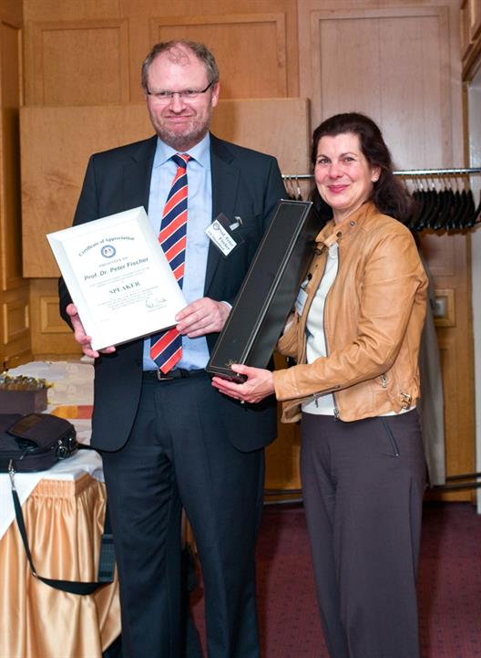 One sees Prof. Dr. Peter C. Fischer and Mrs. Regina Fahlbusch; President Chapter Bonn des American German Business Club (AGBC)